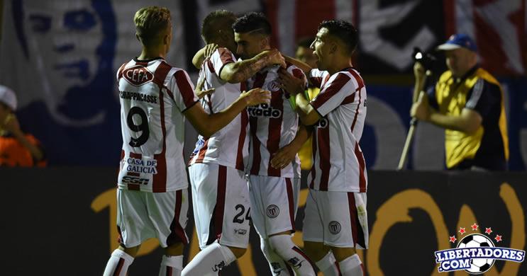 River Plate derrota a Universidad de Chile en el comienzo de la Libertadores
