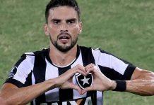Rodrigo Pimpão marca gol