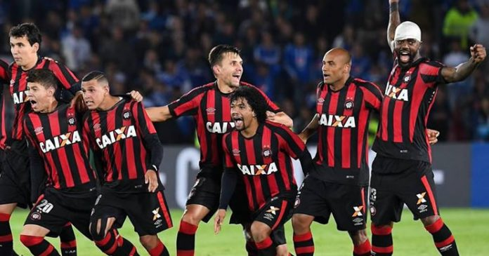 Atlético-PR vence nos pênaltis