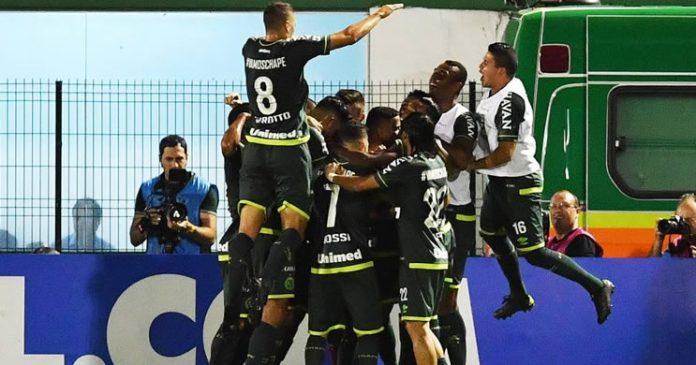 Chape vence Atlético Nacional