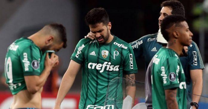 eliminação precoce na Copa Libertadores
