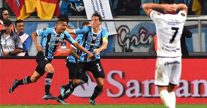 Grêmio larga na frente pela Libertadores